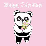 O cartão do dia do ` s do Valentim com panda bonito traz uma cubeta da flor no fundo cor-de-rosa Fotos de Stock Royalty Free