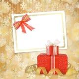 O cartão para o convite com caixas de presente decorou Fotos de Stock Royalty Free