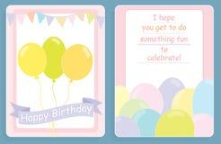 O cartão, a parte dianteira e a parte traseira de aniversário projetam com balões coloridos Fotos de Stock
