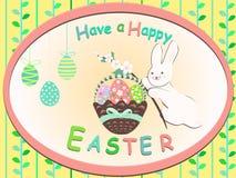 O cartão tem um coelhinho da Páscoa feliz com flores cor-de-rosa Fotografia de Stock Royalty Free