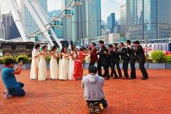 O casamento fotografou em público o parque imagem de stock royalty free