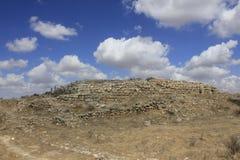 O Castel e a fortaleza na cidade bíblica antiga de Lachish, hoje telefone Lachish Fotos de Stock