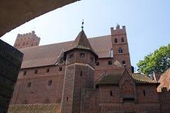 O castelo da ordem Teutonic em Malbork & em x28; Marienburg& x29; imagem de stock