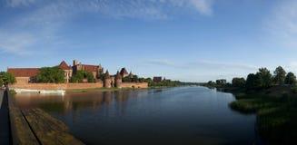 O castelo da ordem Teutonic em Malbork (Marienburg) fotos de stock royalty free