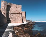 O castelo de Carlo V - Monopoli Puglia fotografia de stock