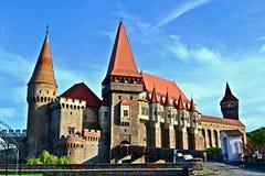 O castelo de Corvin em Romênia Foto de Stock