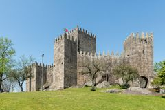 O castelo de Guimaraes Fotos de Stock