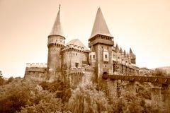 O castelo de Hunyad.  Roménia. Fotografia de Stock