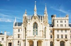 O castelo de Lednice é uma mansão majestosa, georgeous em Mora do sul Foto de Stock Royalty Free