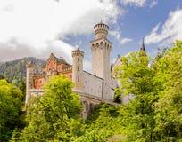 O castelo de Neuschwanstein é um palácio românico do século XIX do renascimento em Baviera, Alemanha Imagens de Stock Royalty Free