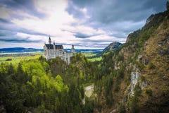 O castelo de Neuschweinstein fotos de stock royalty free