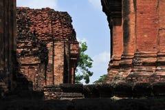 O castelo de pedra em isan de Tailândia é a cultura da arquitetura velha Foto de Stock