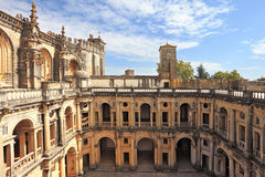 O castelo medieval imponente imagens de stock royalty free