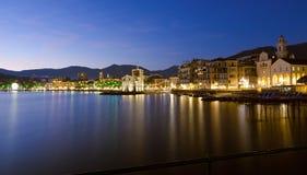 O castelo medieval no mar - margem de Rapallo Foto de Stock Royalty Free