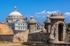 O castelo velho e as leis novas imagens de stock royalty free
