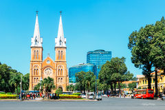 O Cathédrale Notre Dame de saigon Imagens de Stock Royalty Free