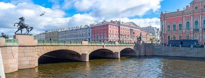 O cavalo Tamers da ponte de Anichkov Foto de Stock