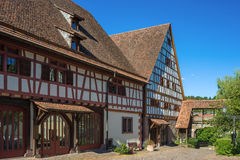 O celeiro de dízima com o Fruchtkasten em Dornstetten fotografia de stock