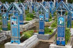 O cemitério alegre em Sapanta, Romênia Fotos de Stock Royalty Free