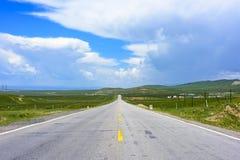 O cenário bonito na estrada Fotografia de Stock