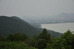 O cenário da montanha de Yunlong em Xuzhou, China na mola fotografia de stock
