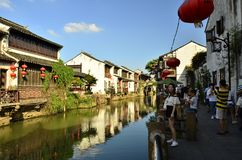 O cenário da rua de Shantang em Suzhou, China na mola fotografia de stock royalty free
