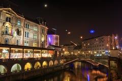 O centro da cidade velho de Ljubljana decorou para o Natal Imagem de Stock