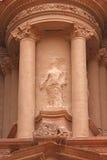 O centro do Al Hazneh da fachada com bala segue Fotografia de Stock