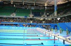 O centro olímpico dos Aquatics em Rio Olympic Park durante o Rio 2016 Jogos Olímpicos fotografia de stock royalty free