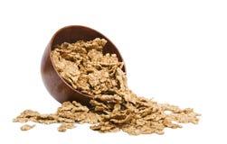 O cereal lasc na bacia de madeira Fotografia de Stock