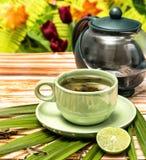O chá de verde-lima significa o restaurante e o rafrescamento dos rafrescamentos imagens de stock royalty free