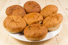 O chá endurece? os bolinhos doces, redondos rolados no açúcar pulverizado Fotografia de Stock Royalty Free