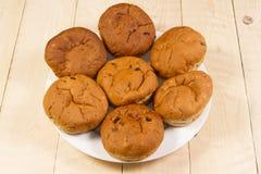 O chá endurece? os bolinhos doces, redondos rolados no açúcar pulverizado Fotografia de Stock