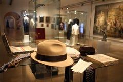 O chapéu, os laços, as luvas e os charutos de Tito Imagens de Stock Royalty Free