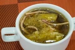 O chinês delicioso assou o papo dos peixes na sopa vermelha do molho Fotos de Stock Royalty Free