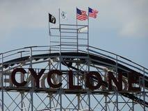 O ciclone 20 de Coney Island imagem de stock royalty free