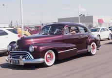 O clássico restaurou Oldsmobile 1948 Foto de Stock Royalty Free