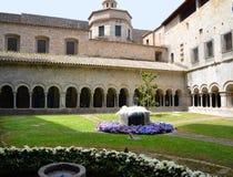 O claustro da catedral de Girona durante o festival da flor & o x28; Temps d Imagens de Stock