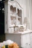 O close up disparou dos elementos da decoração do casamento na luz do dia Fotografia de Stock Royalty Free