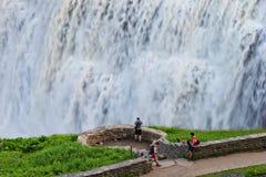 O close up do meio cai no parque estadual de Letchworth em New York Imagem de Stock