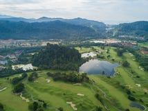 O clube de golfe com lagos Malásia disparou pelo zangão Foto de Stock