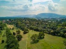 O clube de golfe com lagos Malásia disparou pelo zangão Imagens de Stock Royalty Free