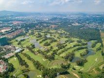 O clube de golfe com lagos Malásia disparou pelo zangão Fotografia de Stock