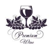 O clube superior do vinho isolou a ilustração lisa do vetor do emblema monocromático no fundo branco ilustração stock