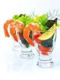 O cocktail clássico do camarão, descasca todos os camarões Quebre o lettuc Foto de Stock Royalty Free