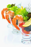 O cocktail clássico do camarão, descasca todos os camarões Quebre o lettuc Imagem de Stock Royalty Free