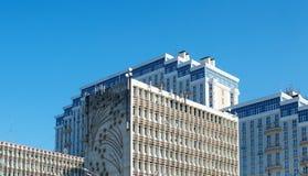 O complexo das construções da luz - azul fotos de stock royalty free