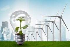 O conceito com moinhos de vento - da energia alternativa rendição 3d Imagens de Stock Royalty Free