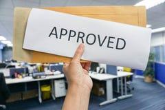O conceito de aprova no negócio foto de stock royalty free