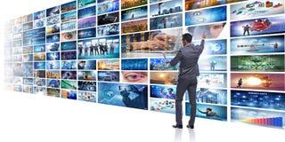 O conceito de fluir o vídeo com homem de negócios ilustração do vetor